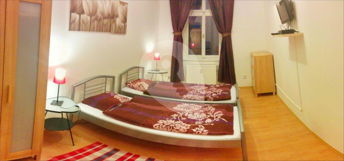 למכירה דירת 2+1 בגודל 45 מר בפראג 3, ז'יזקוב (3)
