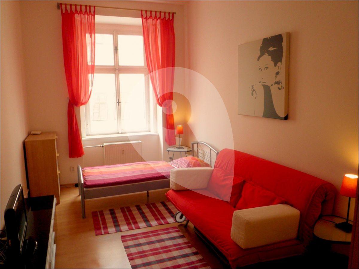 למכירה דירת 2+1 בגודל 45 מר בפראג 3, ז'יזקוב (7)