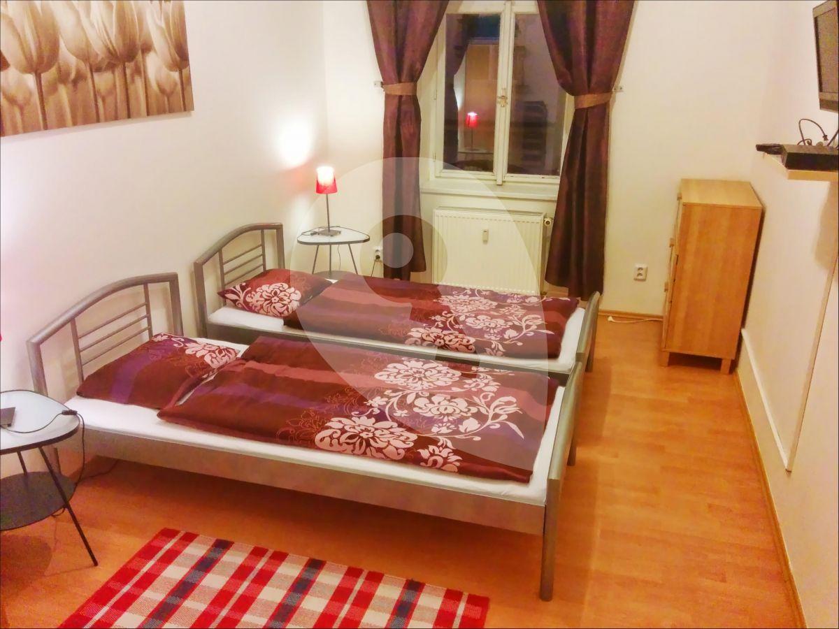 למכירה דירת 2+1 בגודל 45 מר בפראג 3, ז'יזקוב (9)