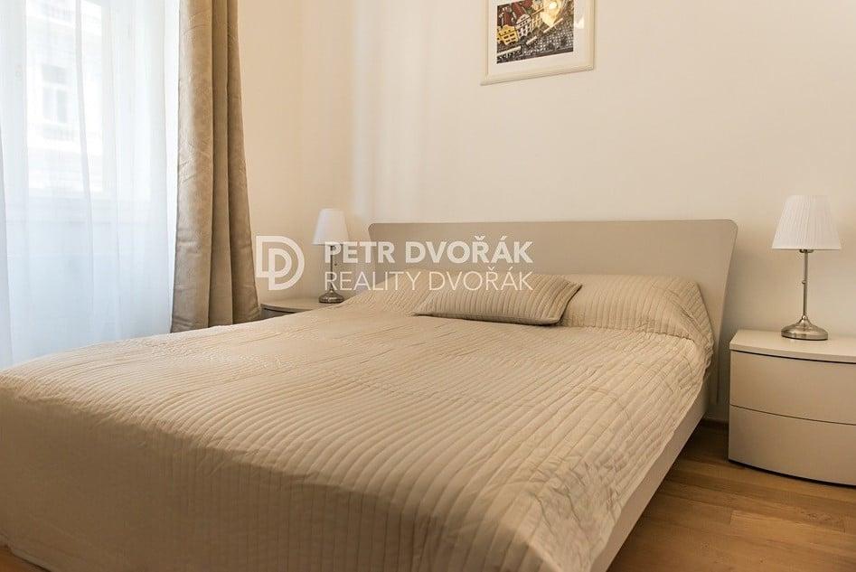 למכירה דירת 2+kk בפראג 2 בגודל 44 מר (14)