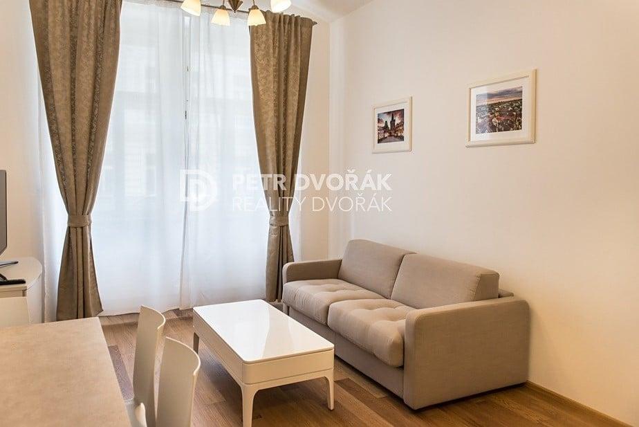 למכירה דירת 2+kk בפראג 2 בגודל 44 מר (4)