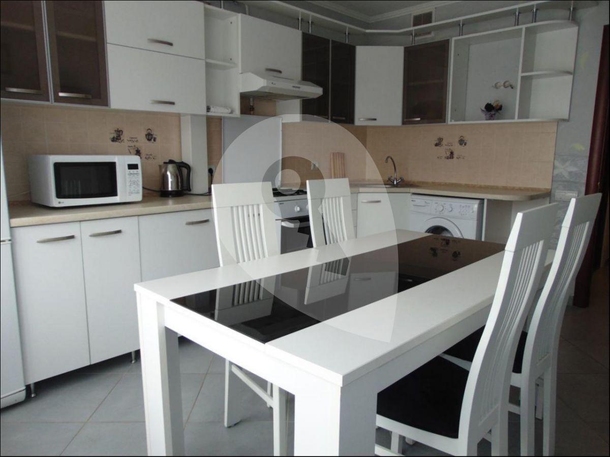 למכירה דירת 2kk בשכונת זיזקוב (1)