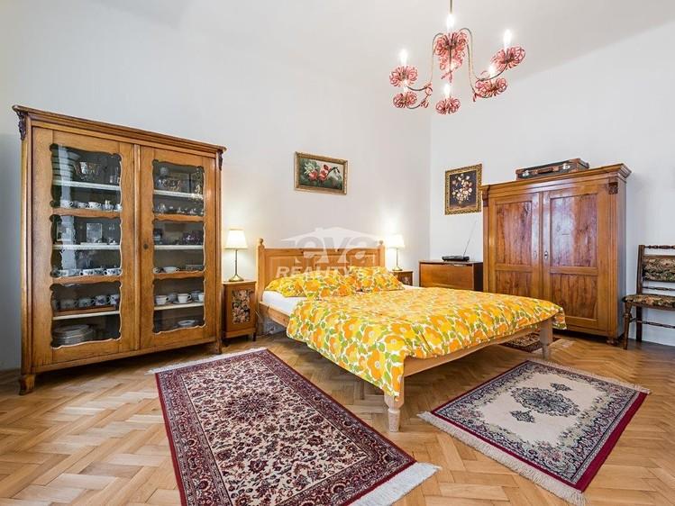 למכירה דירת 2+1 בגודל של 68 מר בעיר העתיקה של פראג (14)