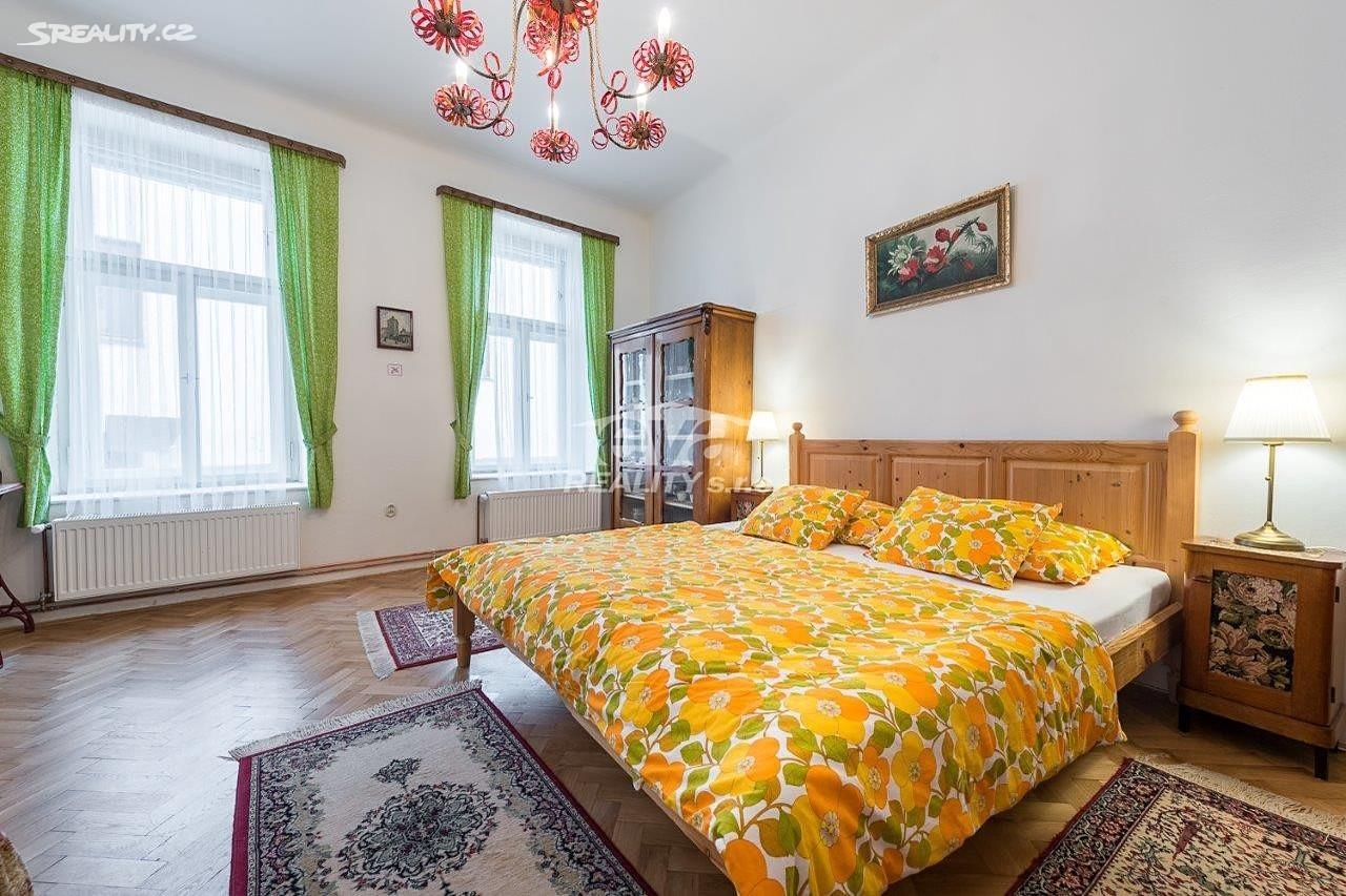 למכירה דירת 2+1 בגודל של 68 מר בעיר העתיקה של פראג (16)