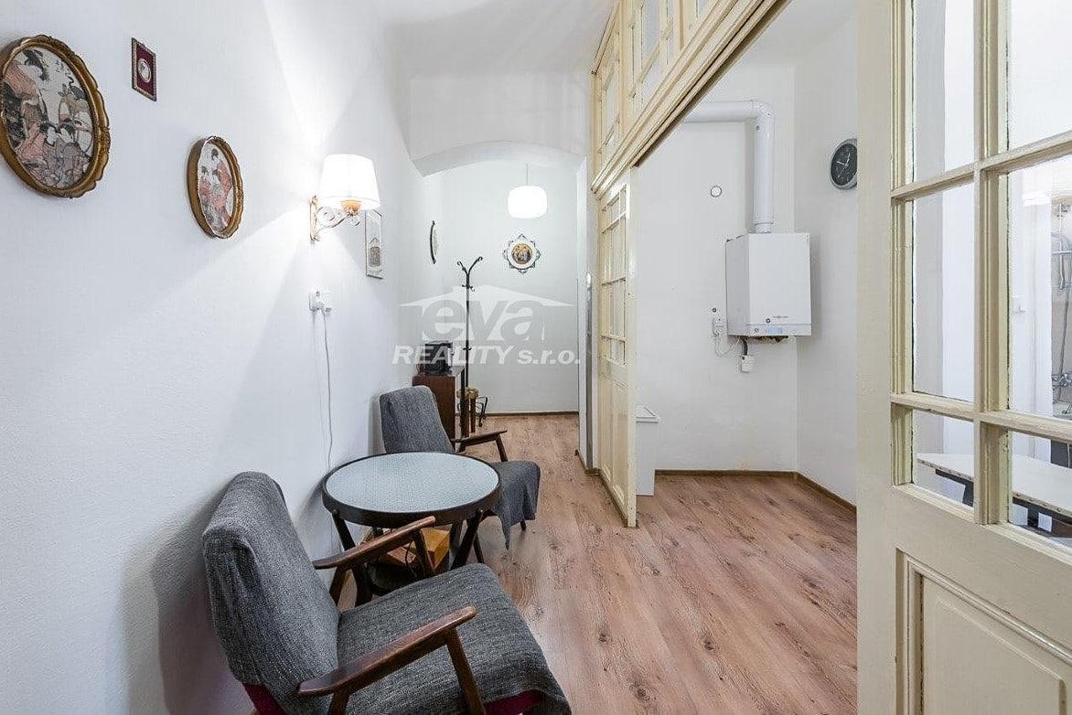 למכירה דירת 2+1 בגודל של 68 מר בעיר העתיקה של פראג (2)