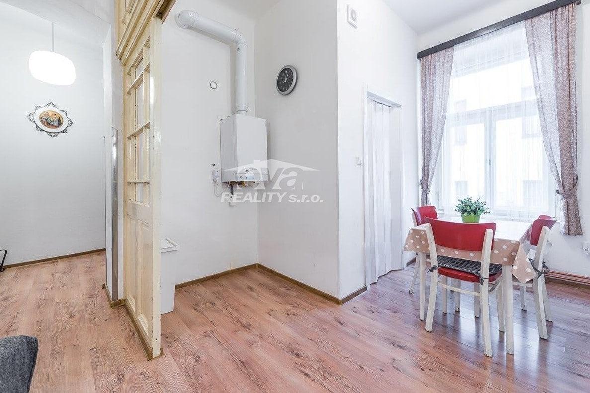 למכירה דירת 2+1 בגודל של 68 מר בעיר העתיקה של פראג (5)