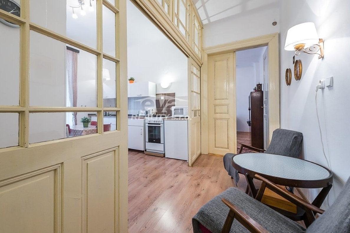 למכירה דירת 2+1 בגודל של 68 מר בעיר העתיקה של פראג (8)