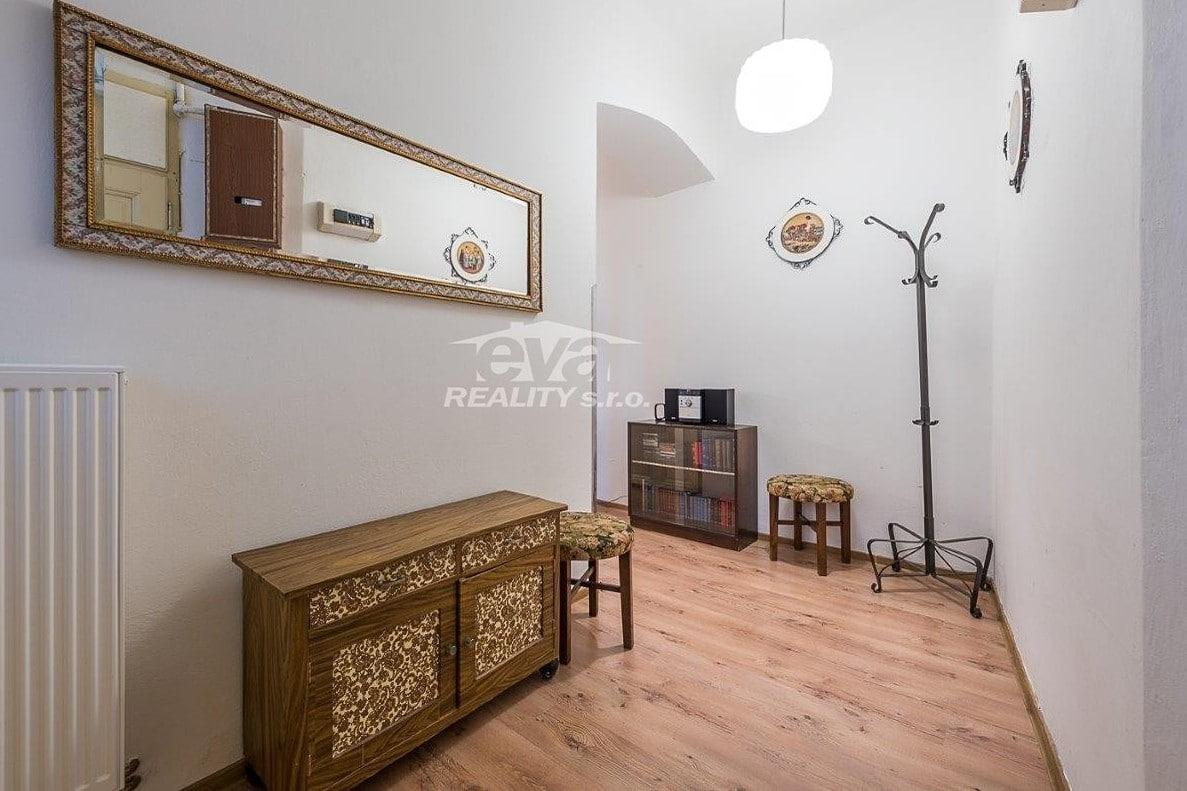למכירה דירת 2+1 בגודל של 68 מר בעיר העתיקה של פראג (9)