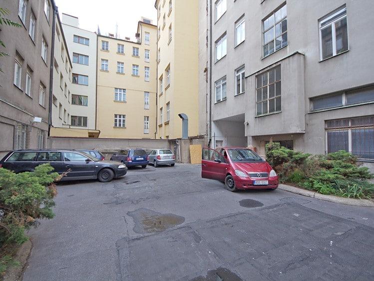 למכירה דירת 2 חדרים, 38 מר בעיר העתיקה בפראג (2)