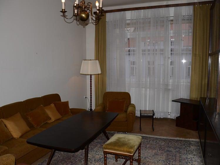 למכירה דירת 3+kk בגודל 82 מר בעיר העתיקה של פראג (1)