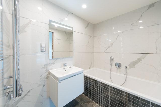 למכירה דירת יוקרה בפראג בגודל 83 מר (3+KK) (1)