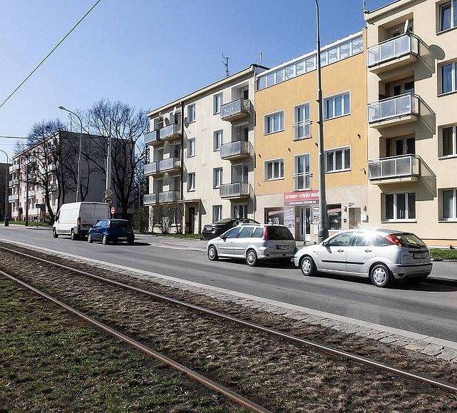 """למכירה בפראג 6 בניין דירות בגודל 450 מ""""ר"""