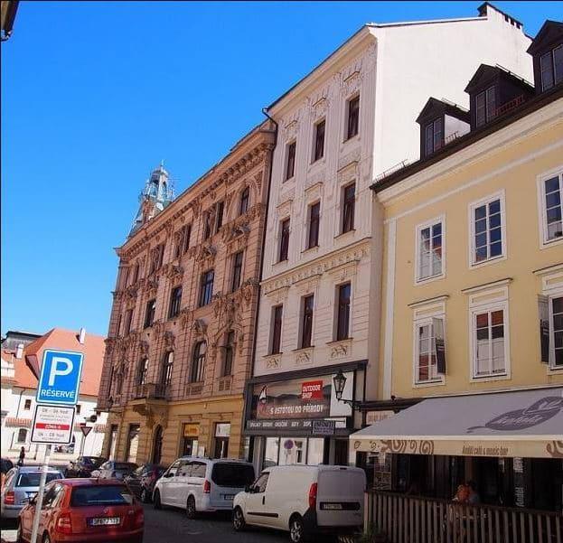 """למכירה בפילזן בניין מגורים בגודל 710 מ""""ר"""