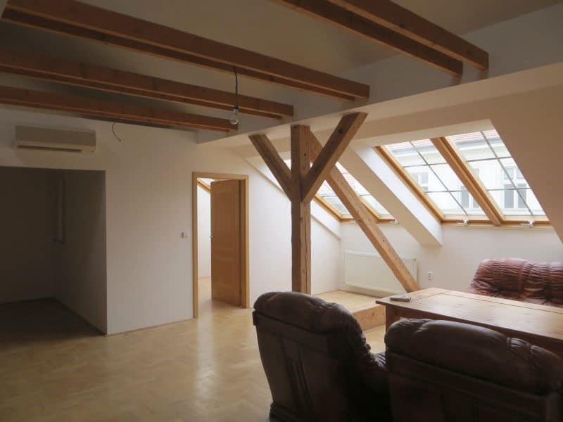 דירת 4+1 ממש מיוחדת למכירה צמוד לכיכר ואצלב בפראג (11)