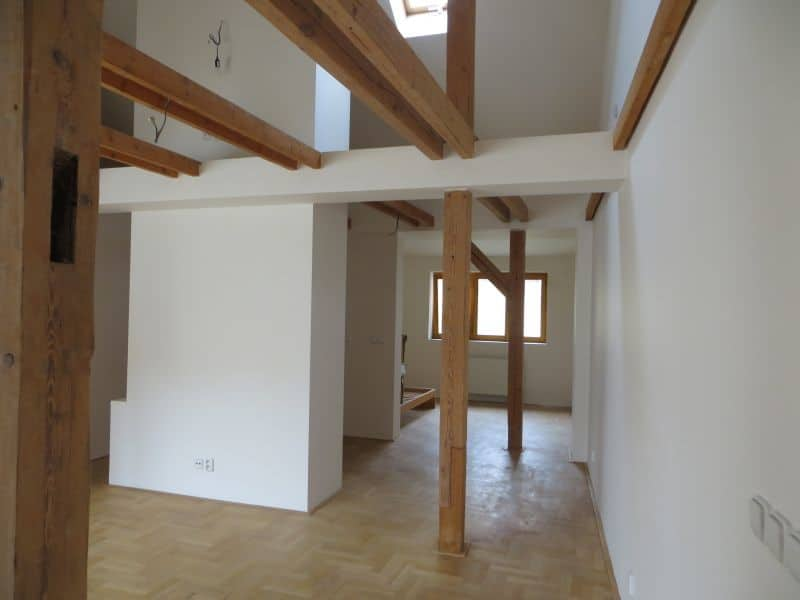 דירת 4+1 ממש מיוחדת למכירה צמוד לכיכר ואצלב בפראג (4)