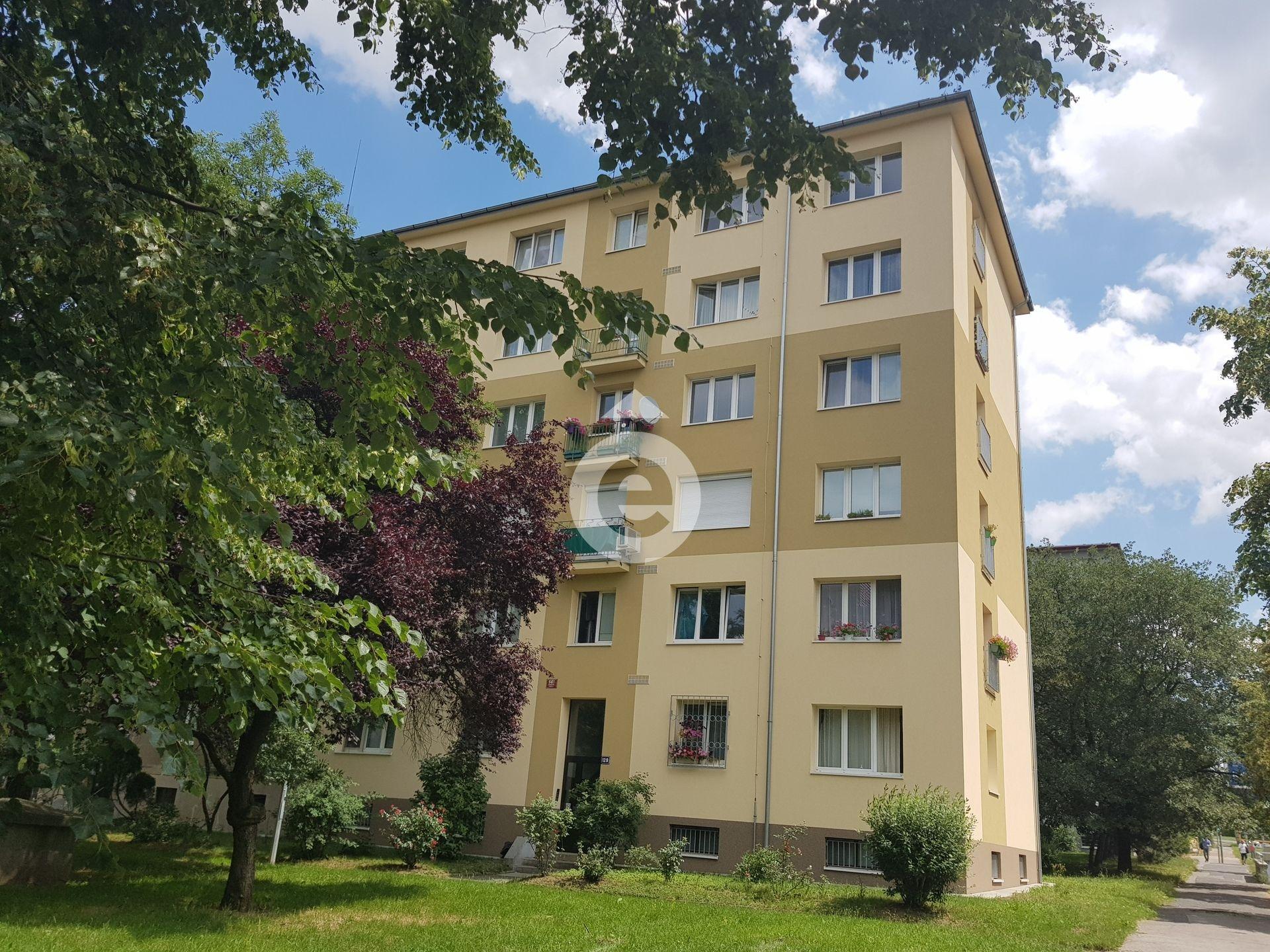 למכירה דירת 2+1 בגודל 48 מר בפראג 14 (1)