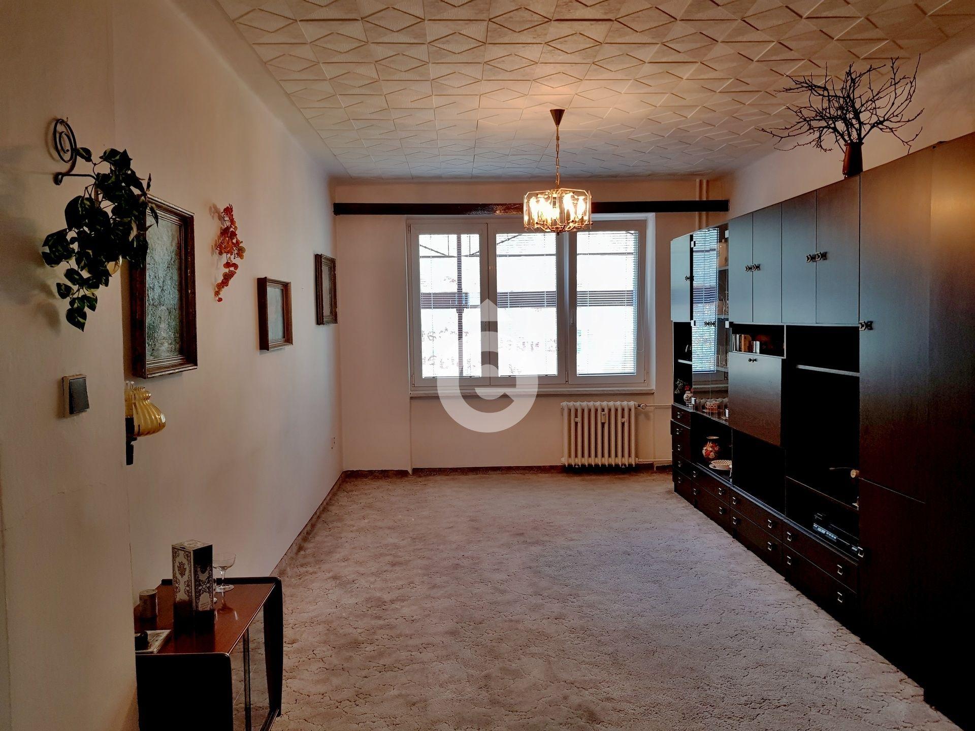 למכירה דירת 2+1 בגודל 48 מר בפראג 14 (2)