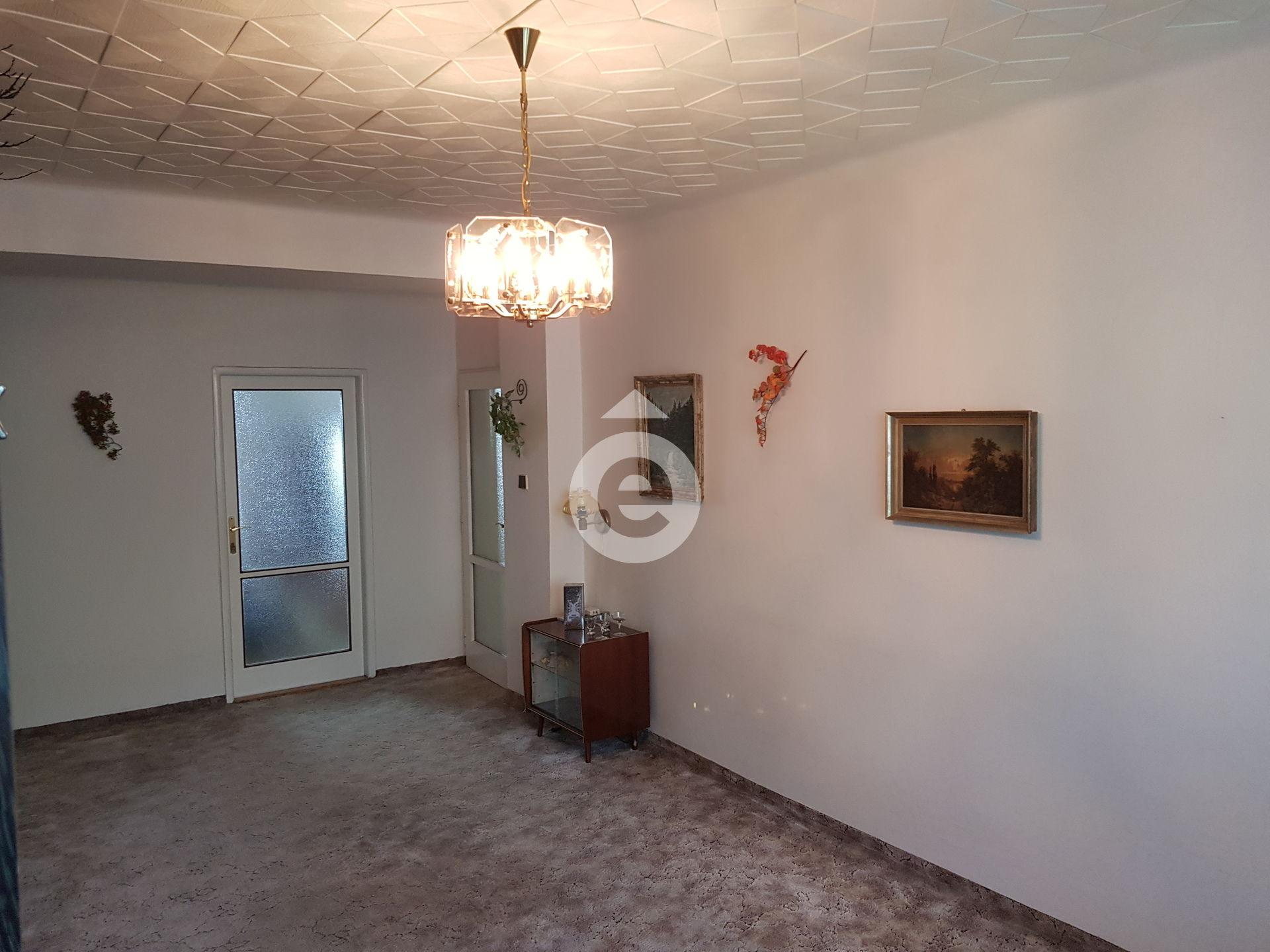 למכירה דירת 2+1 בגודל 48 מר בפראג 14 (5)