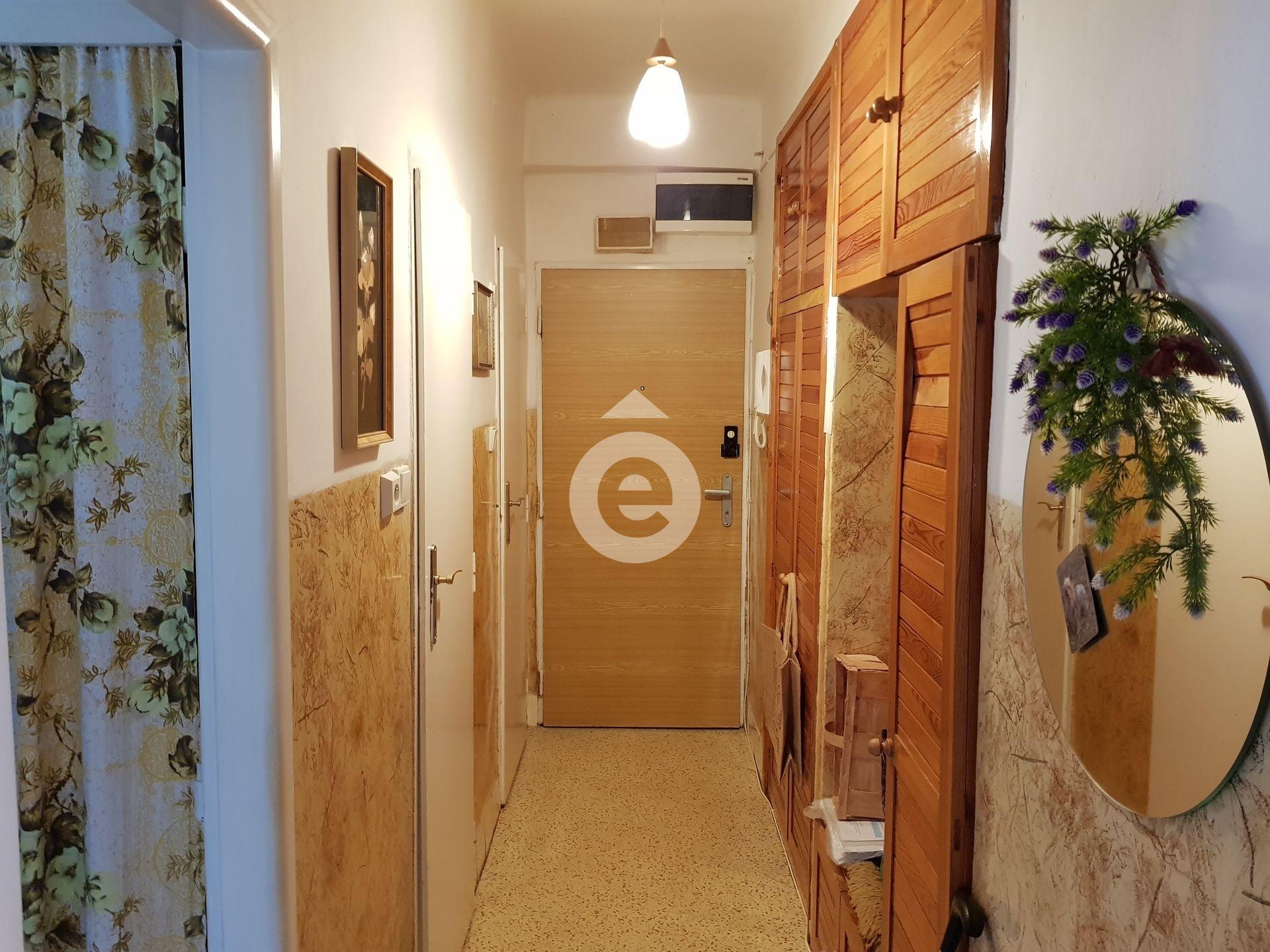 למכירה דירת 2+1 בגודל 48 מר בפראג 14 (9)