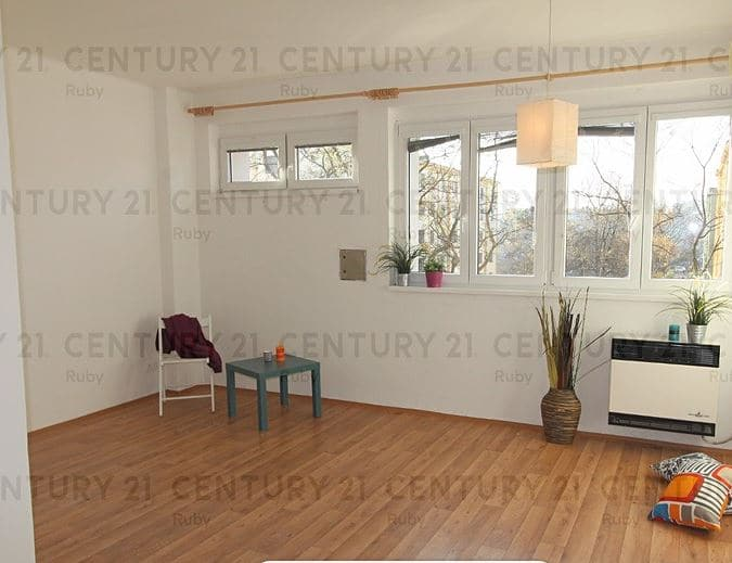 """למכירה בפראג 4 דירת 1+1 בגודל 35 מ""""ר"""