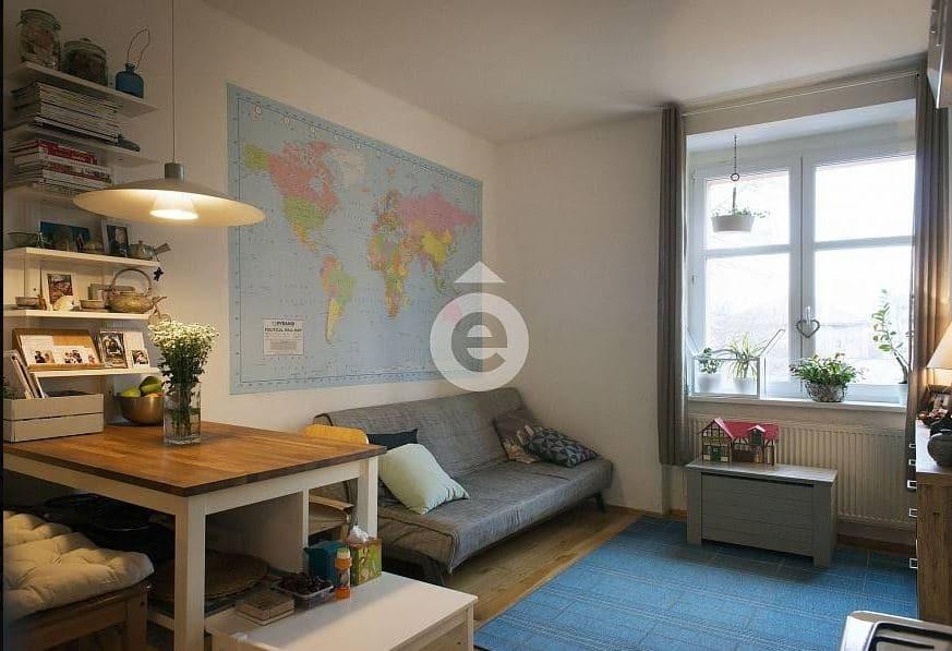 """למכירה בפראג 10 דירת 2+KK בגודל 51 מ""""ר"""