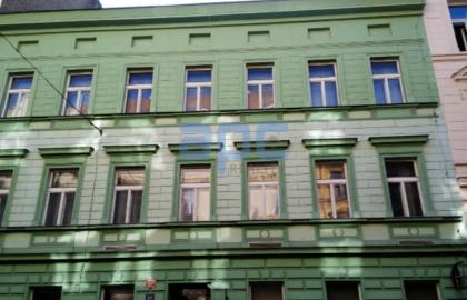 """מלון למכירה על שטח של 1200 מ""""ר בפראג 2"""