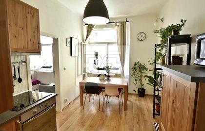 """למכירה דירה משופצת ויפה 1+1 חדרים בגודל 41 מ""""ר בפראג 10"""