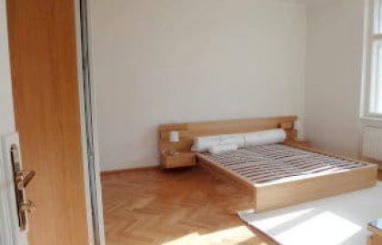 """למכירה דירת 45 מ""""ר במרכז פראג (2+kk)"""