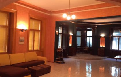 דירה ענקית מרוהטת, מפוארת וייחודית למכירה בשכונת וינוהרדי, פראג 2