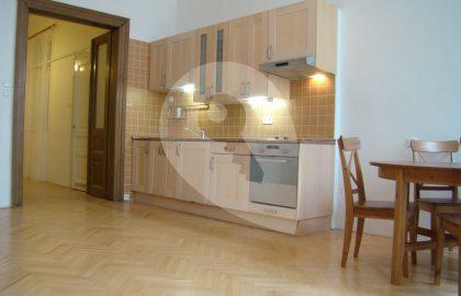 """למכירה דירת 2+kk בגודל 58 מ""""ר בפראג 1"""