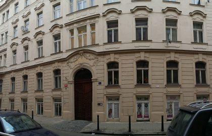 """למכירה דירת 1+kk בגודל 48 מ""""ר בפראג 1"""