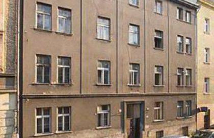 למכירה בניין עם אישורי בנייה בפראג 5 קרוב לקניון נובי סמיכוב