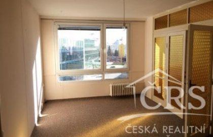 למכירה בשכונת נוסלה פראג 4, דירת 4 חדרים