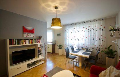 """למכירה דירה יפהפיה בפראג 5 בגודל 71 מ""""ר"""