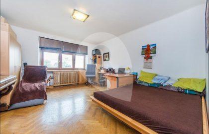 """למכירה דירה יפה 2+1 בגודל 67 מ""""ר בפראג 10"""