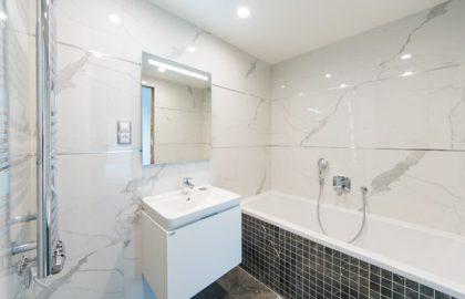 """למכירה דירת יוקרה בפראג בגודל 83 מ""""ר (3+KK)"""