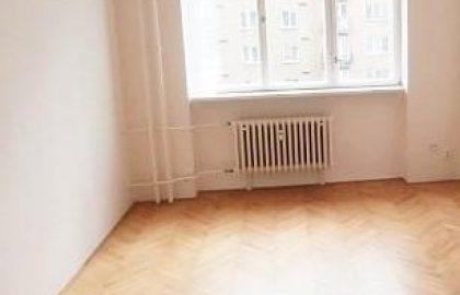 למכירה דירת 1+1 בשכונת ורשוביצה פראג 10