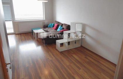 """למכירה דירת 1+kk מרוהטת 43 מ""""ר בפראג 9"""