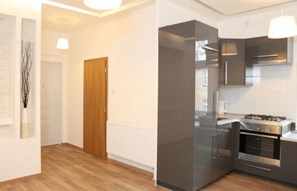 למכירה דירת 2 חדרים בפראג 8 משופצת כחדשה