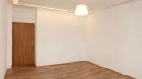 למכירה דירת 2 חדרים בפראג 8 משופצת כחדשה (6)