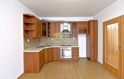 """למכירה דירת 2 חדרים חדשה בגודל 62 מ""""ר בפראג 9"""