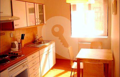"""למכירה דירת 2+1 בגודל 45 מ""""ר בפראג 3, ז'יזקוב"""