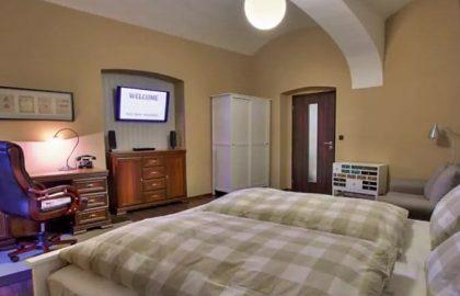 """למכירה דירת 2+1 בגודל 64 מ""""ר ברחוב Navrátilova בפראג 1"""
