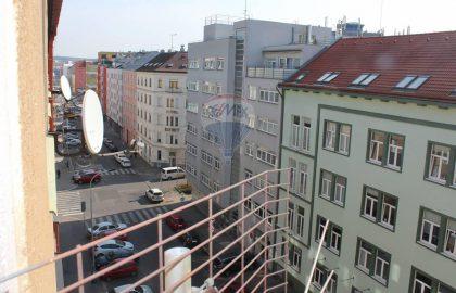 """למכירה דירת 2+1 בשטח של 52 מ""""ר בפראג 9"""