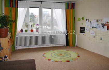 """למכירה דירת 2+1 בשטח של 65 מ""""ר בשכונת פראג 3"""