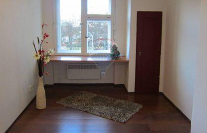 """למכירה דירת 2+1 על 44 מ""""ר בפראג 3 Olšanské náměstí"""