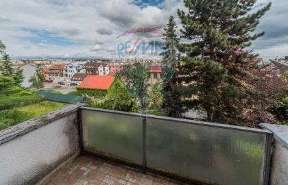 """למכירה דירת 2+1 על 55 מ""""ר בשכונת בר'בנוב, פראג 6"""