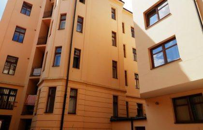 """למכירה דירת 2+KK בגודל 65 מ""""ר בפראג 5, סמיכוב"""