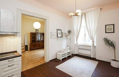 למכירה דירת 2+kk יפהפיה בשכונת ז'יז'קוב בפראג 3