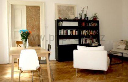למכירה דירת 3 חדרים במיקום מעולה בפראג 1